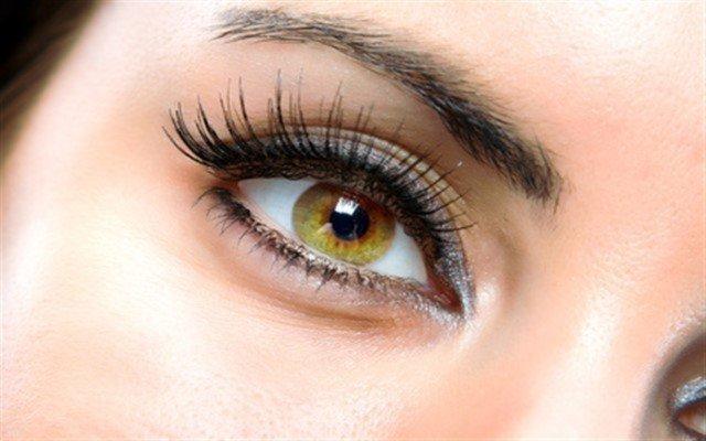 Pearl Make-Up Stüdyo'da Kusursuz Bakışlara Sahip Olmanız İçin İpek Kirpik Uygulaması