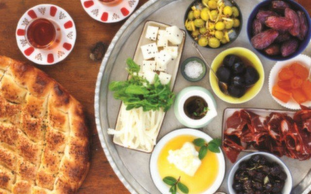 Katremiz Antakya Mutfağı'nda Enfes Lezzetlerle Bezenmiş İftar Menüsü