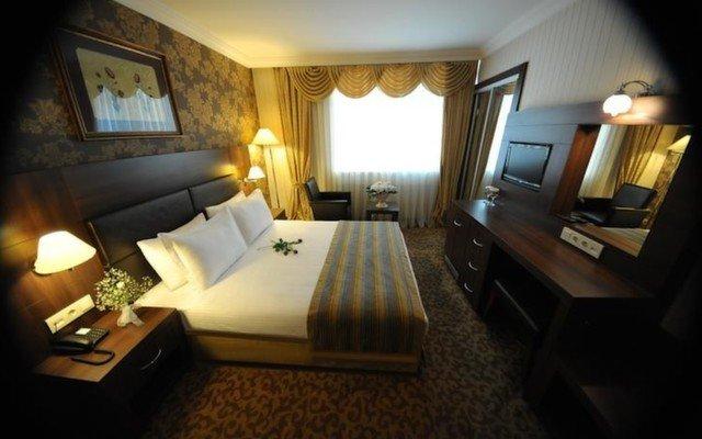 Rhiss Hotel Maltepe'de Dağ veya Deniz Manzaralı Odalarda Açık Büfe Kahvaltı Dahil Konaklama