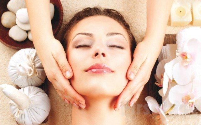 4 Seans Radyofrekans İle Cilt Gençleştirme ve Dermokozmetik Ürünlerle Profesyonel Cilt Bakımı Uygulaması